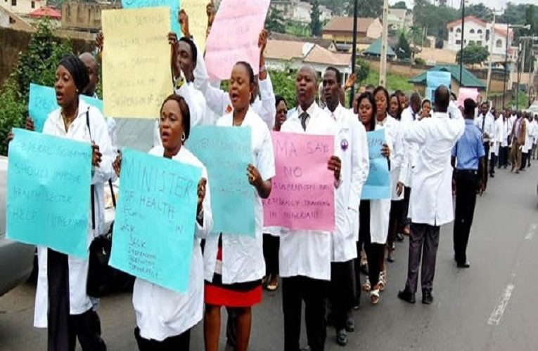 Lagos Doctors To Go On Warning Strike On 13 July Over COVID-19 Hazard Allowance