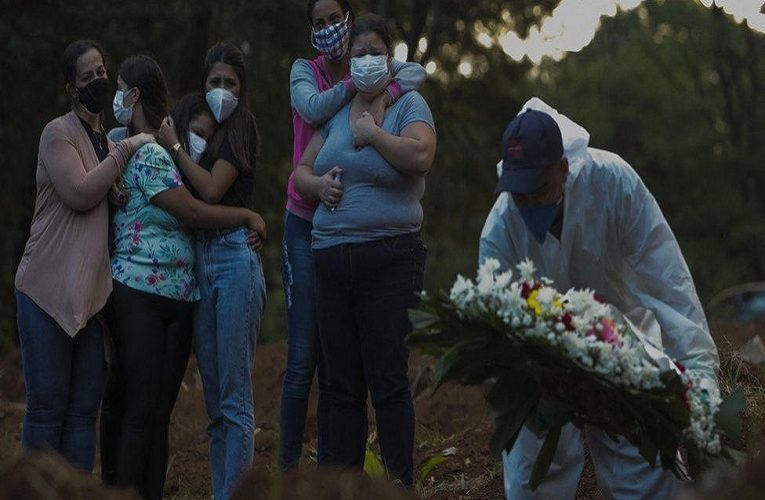 Covid: Brazil has more than 4,000 deaths in 24 hours for first time