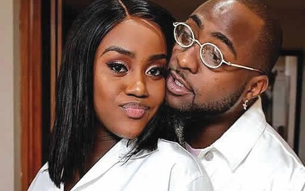 Chioma Deletes All Davido's Pictures From Her Instagram Page