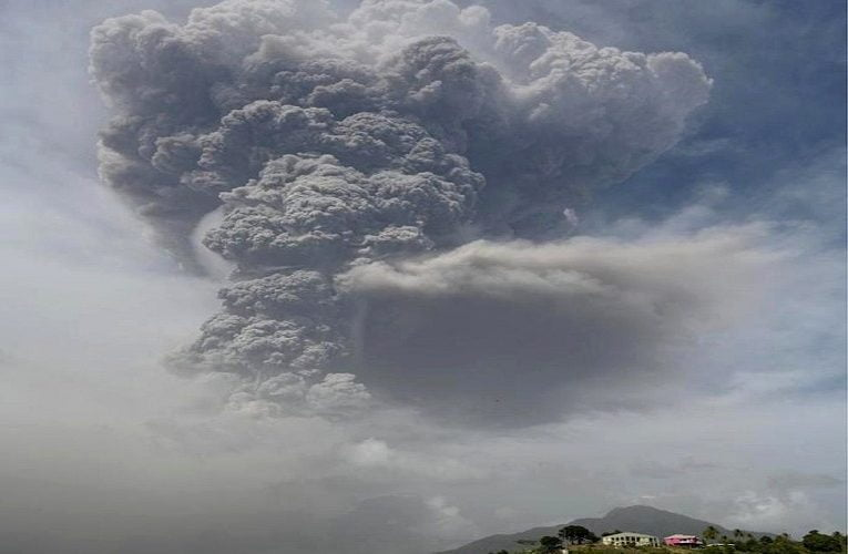 St Vincent volcano: Ash rains down on Caribbean island
