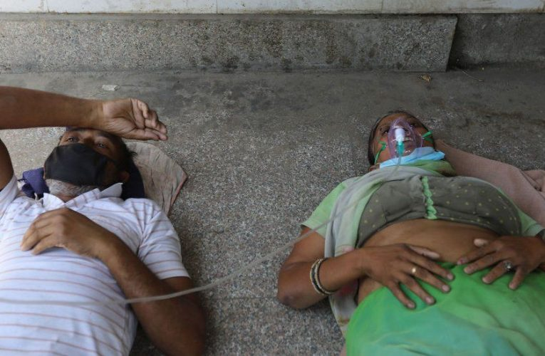 India Covid: Patients dying without oxygen amid Delhi surge