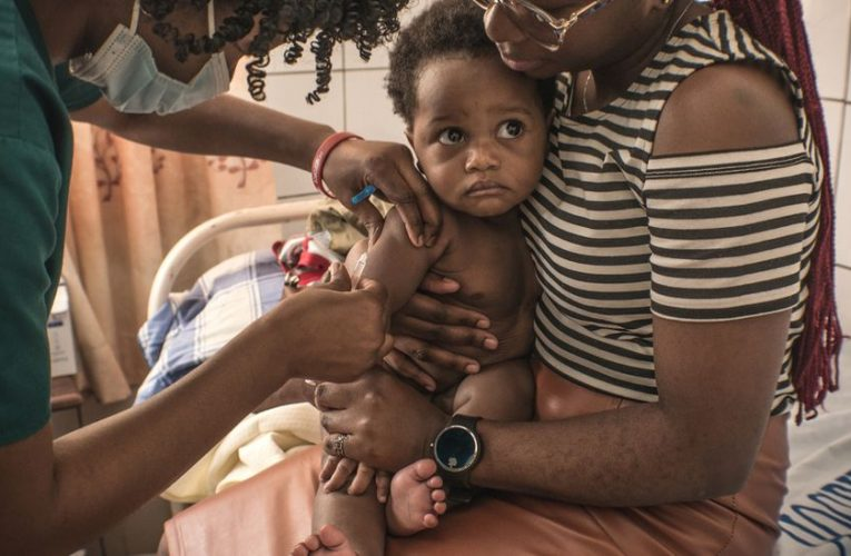 DR Congo: Measles vaccines missed because of Covid focus